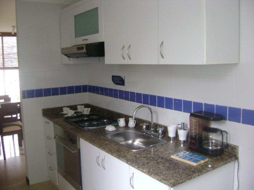 Acabados de cocinas cocina en acabados naturales la for Acabados de cocinas
